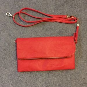 Crossbody with clutch option